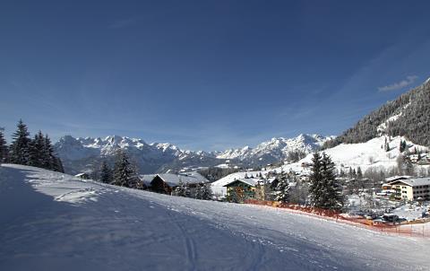 http://www.hotelelisabeth.at/media/Kurzfristige%20Bilder/2015/Winterbilder%202015/ski_werfenweng1.jpg.jpg