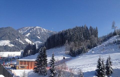 http://www.hotelelisabeth.at/media/Kurzfristige%20Bilder/2015/Winterbilder%202015/ski_werfenweng11.jpg.jpg