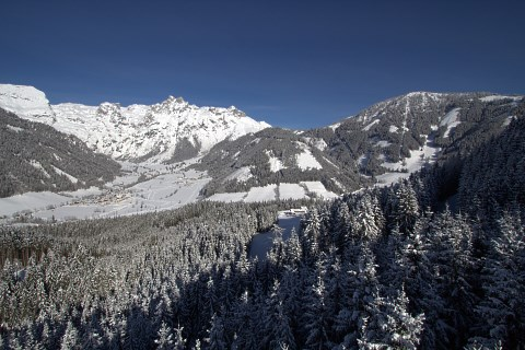 http://www.hotelelisabeth.at/media/Kurzfristige%20Bilder/2015/Winterbilder%202015/ski_werfenweng8.jpg.jpg