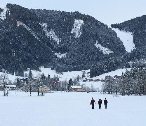 http://www.hotelelisabeth.at/media/Kurzfristige%20Bilder/2015/Winterbilder%202015/winterwandern_werfenweng.jpg