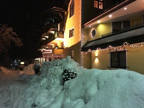 http://www.hotelelisabeth.at/media/Kurzfristige%20Bilder/2016/hotel_werfenweng.jpg