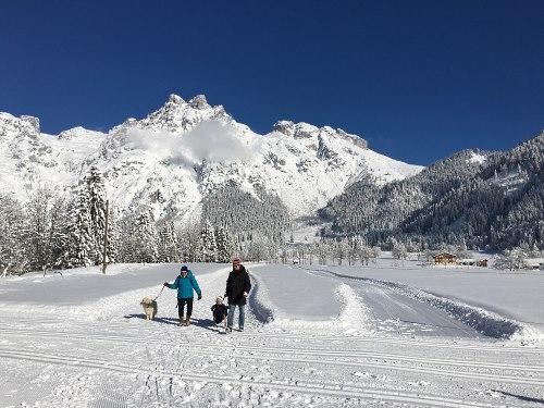 http://www.hotelelisabeth.at/media/Kurzfristige%20Bilder/2016/winterwandern18.1.3.jpg