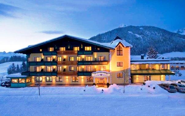 http://www.hotelelisabeth.at/media/bildgallerie/hotel_1/hotel_vorne_abend.jpg